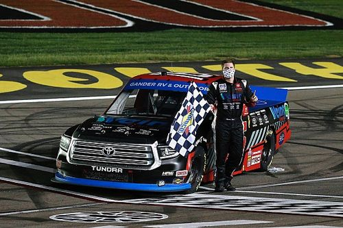 Austin Hill tops Creed in Las Vegas Truck playoff win