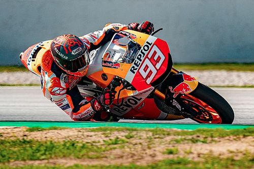 VIDEO: Marquez traint in Barcelona voor MotoGP-comeback