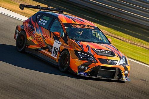 TCR Europe: Leonov e la Volcano Motorsport corrono a Le Castellet
