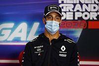 Mert Ricciardónak ez is megy: pontos a srác, nagyon pontos!