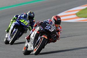 Márquez lidera a mitad de jornada y Lorenzo sigue progresando