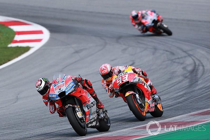 Lorenzo verslaat Marquez in zinderende GP van Oostenrijk