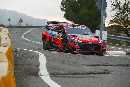 How Neuville stole the show from Ogier vs Evans slugfest in Spain