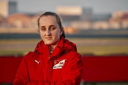 Ferrari впервые взяла в свою Академию гонщицу