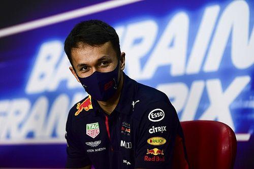 Albon za kierownicą Ferrari
