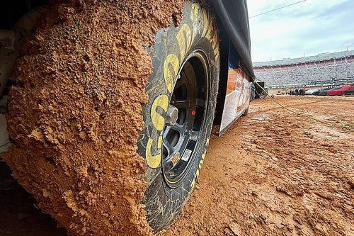 Carrera de camionetas pospuesta por lodo en Bristol