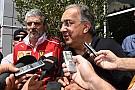 El presidente de Ferrari hace piña con el equipo