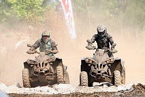 MOTOSİKLET Ön Bakış Urla'da iki heyecan bir arada