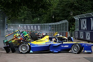 Formula E Special feature Top Stories of 2016, #19: Buemi, di Grassi come to blows at Battersea