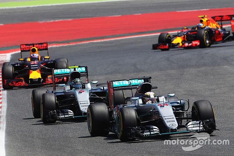В Mercedes не станут мешать борьбе Росберга и Хэмилтона