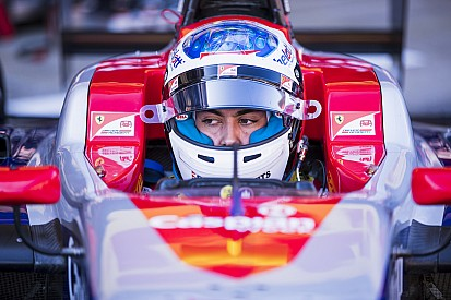 GP3 Barcelona: Alesi wint natte sprintrace vol crashes