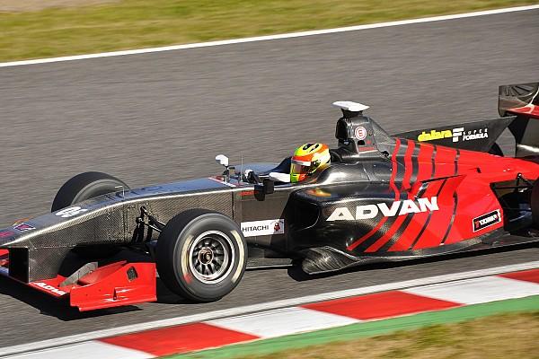 Super Formula GALERI: Tes Super Formula perdana Rio Haryanto