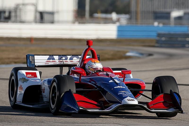 """Nuevo auto de IndyCar """"parecido"""" al de Indy Lights, según Matheus Leist"""