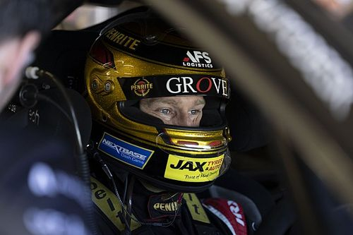 Reynolds cuts Supercars, Excel laps at Winton