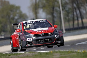 WTCC Qualifying report Slovakia WTCC: Muller, Valente take poles in thrilling qualifying