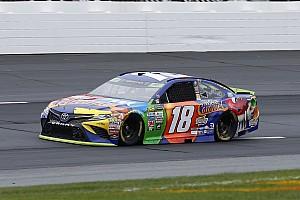 NASCAR Cup Reporte de la carrera Kyle Busch gana etapa 2  en Loudon