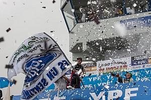 TURISMO CARRETERA Crónica de Carrera En su cumpleaños, Rossi ganó por primera vez con un Ford