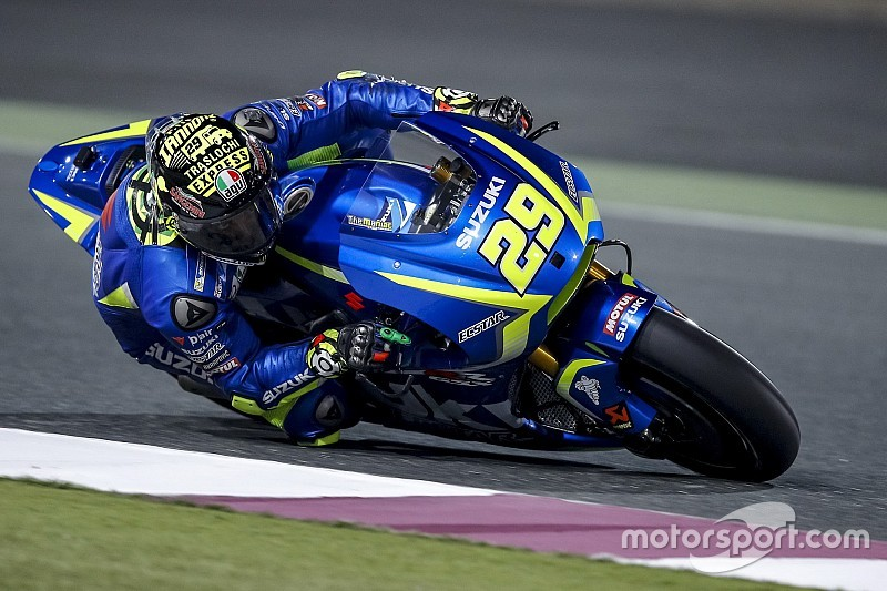 Iannone Trying To Imitate Vinales Riding Style On Suzuki
