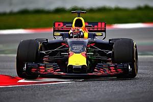 """Hamilton: """"Verstappen zal dit jaar meer vertrouwen hebben"""""""