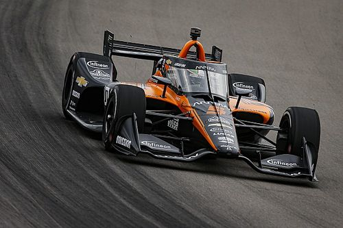 """O'Ward puzzled by Dixon's """"massive difference of pace"""""""