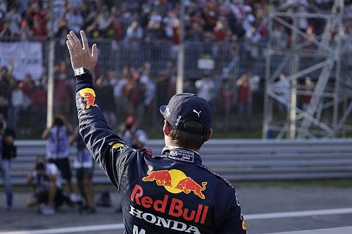 Horner szerint Verstappen bárki ellen megállná a helyét, legyen az Leclerc vagy Hamilton