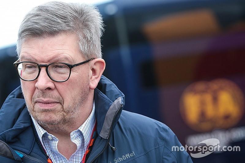 روس براون يجمع فريق عمل لدراسة عملية التجاوز في الفورمولا واحد