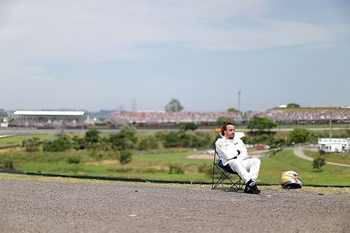 """Alonso explica 'más decisões' na F1: """"Sempre fui 100% convicto"""""""