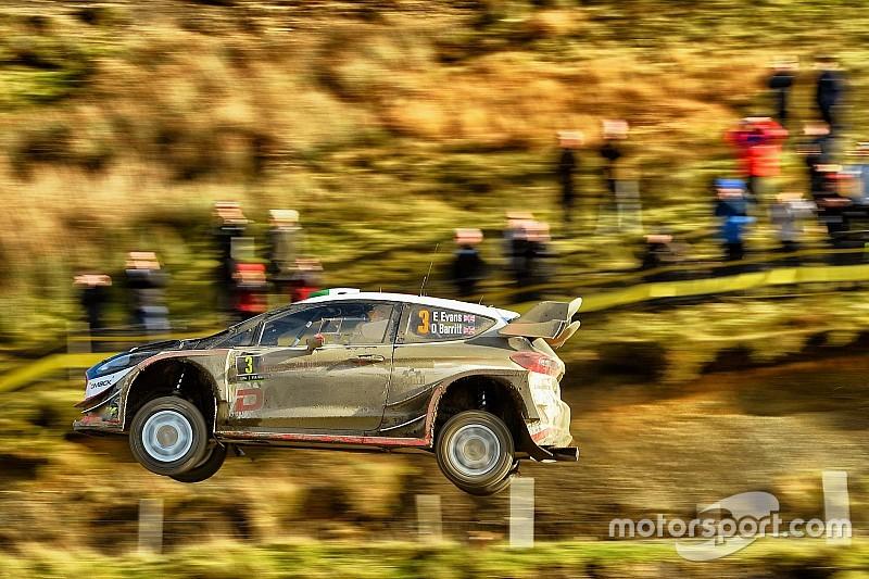 Galler WRC: Evans farkı 50 saniyeye çıkardı, ikincilik savaşı kızışıyor