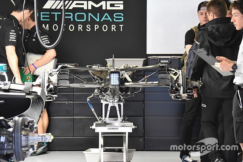 Új, könnyebb váltó a Mercedesben