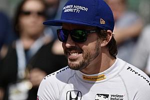 Alonso ismét diót tört a nyakával: kemény