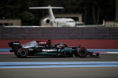 """F1: Hamilton se vê mais confiante para a corrida após início """"infeliz"""" com carro"""