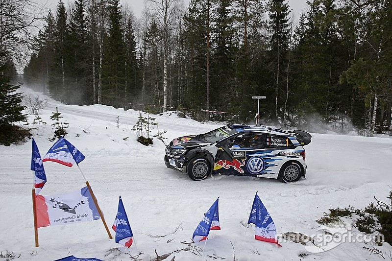 Sweden WRC: Paddon closes on Ogier as Meeke crashes