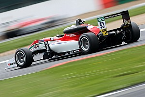 F3 Europe Qualifying report Silverstone F3: Ilott fights back to score double pole