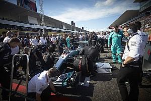 Hamiltonnak már csak 5 kört kell az élen autóznia, hogy…
