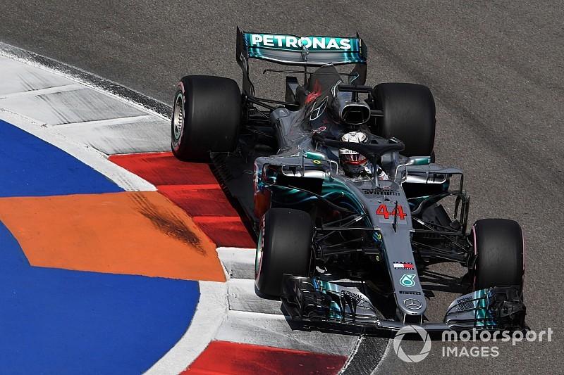 Hamilton asusta en los terceros libres de Rusia