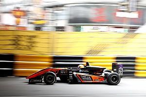 F3マカオGP決勝:マシンが宙を舞う大クラッシュ、レースは赤旗中断