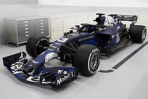 Com pintura provisória, Red Bull apresenta carro de 2018
