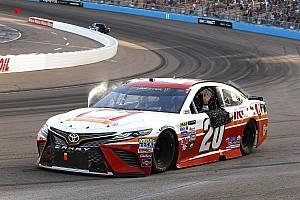 NASCAR Cup Rennbericht NASCAR in Phoenix: Kenseth siegt und bringt Keselowski ins Finale
