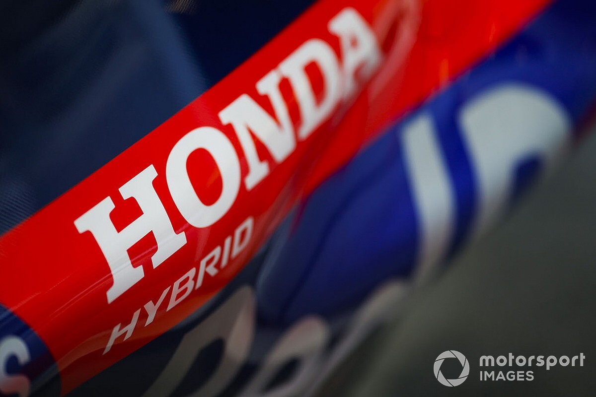 Honda и Mercedes станут титульными спонсорами Гран При