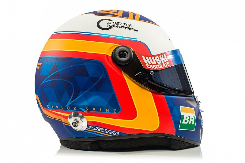 Carlos Sainz Jr, 2019'da yarışacağı kaskı tanıttı