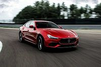 Megérkezett a frissített Maserati Ghibli és Quattroporte Trofeo az utolsó Ferrari-motorokkal