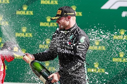 Три рестарта, девять сходов, выиграл Боттас: Ф1 начала сезон