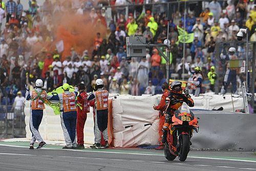 Fotogallery MotoGP: Binder emerge dal temporale in Austria