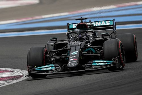 """Hamilton happy to disprove Mercedes chassis swap """"myth"""""""