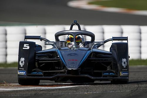 "Mercedes admits new FE powertrain a ""massive risk"""