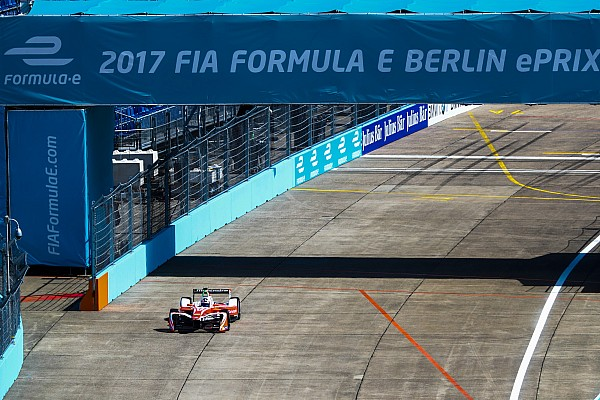 Rosenqvist a pole-ban a Formula E második berlini versenyén!