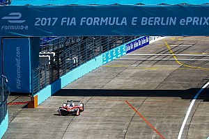 Формула E Репортаж з гонки е-Прі Берліна: Розенквіст здобув першу перемогу у Формулі E