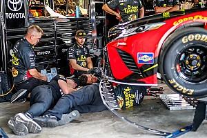 NASCAR Sprint Cup Crónica de entrenamientos Menard lideró un inicio en Dover marcado por las inspecciones técnicas