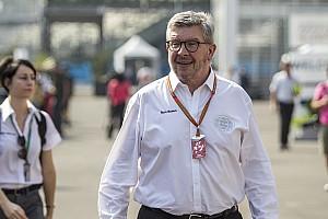 Formel 1 News Ross Brawn: Formel 1 könnte mit halb so viel Geld auskommen