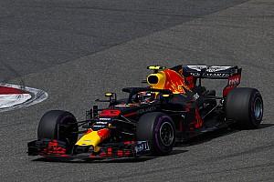 Forma-1 Interjú Verstappen amiatt vállal be ilyen manővereket, mert nincs alatta egy vb-autó